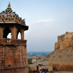 INDIA: RAJASTHAN – TRIUNGHIUL DE AUR – VARANASI
